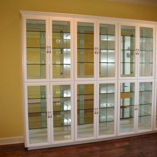 Mirror-backed Glass Shelves Inside Glass Front Display Case in Dining Room | Cabinet Glass & Shelves Gallery | Residential Products | Anchor-Ventana Glass