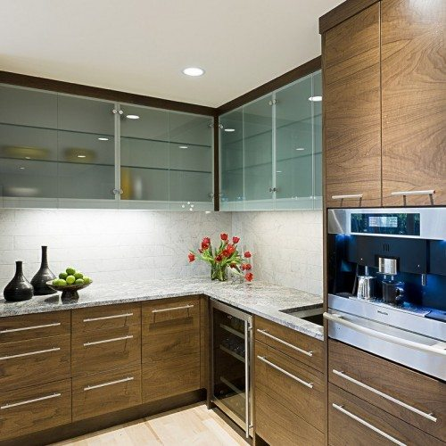 Saten Glass Doors & Clear Glass Shelves in Kitchen | Cabinet Glass & Shelves Gallery | Residential Products | Anchor-Ventana Glass