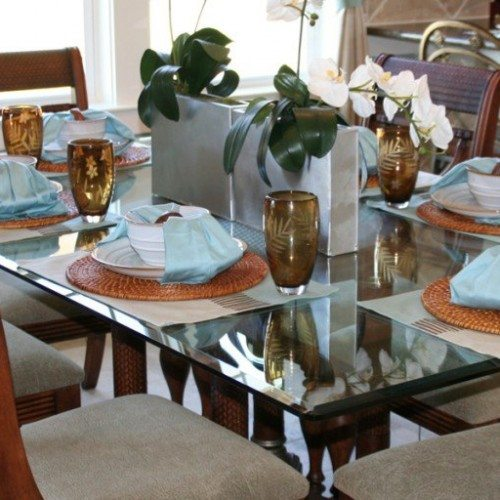 Clear Glass Table Top with Beveled Edge and Rounded Corners in Dining Room | Glass Countertops / Table Tops Gallery | Residential Products | Anchor-Ventana Glass