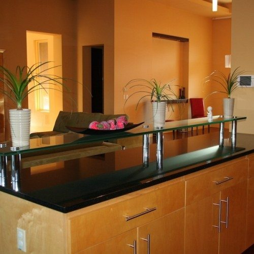 Saten Glass Bar Top in Kitchen | Glass Countertops / Table Tops Gallery | Residential Products | Anchor-Ventana Glass