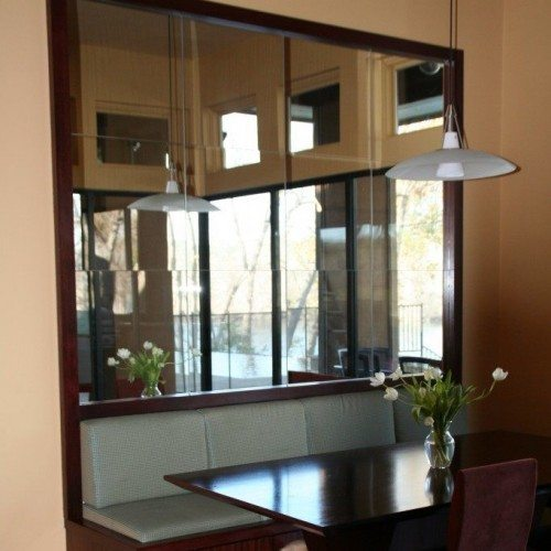 Modern Framed Mirror Behind Booth in Restaurant | Mirrors Gallery | Anchor-Ventana Glass